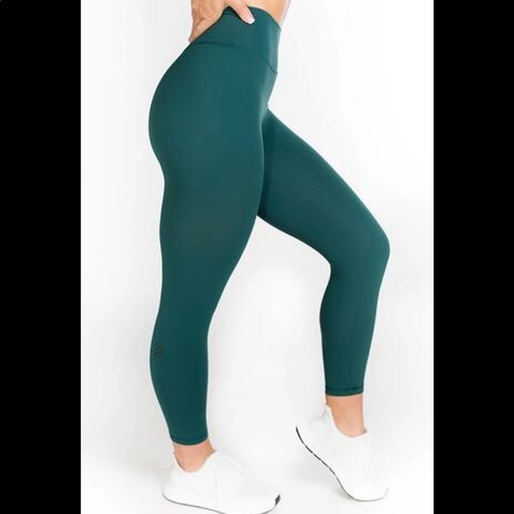 P Tula Pants Jumpsuits Ptula Emerald Green Mayra Plush 2 Leggings Poshmark My husband loves them as well i know you mentioned that they're not always.3 недели назад. p tula emerald green mayra plush 21 leggings